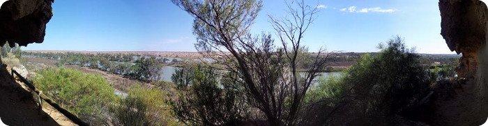 AV2015 Roonka River